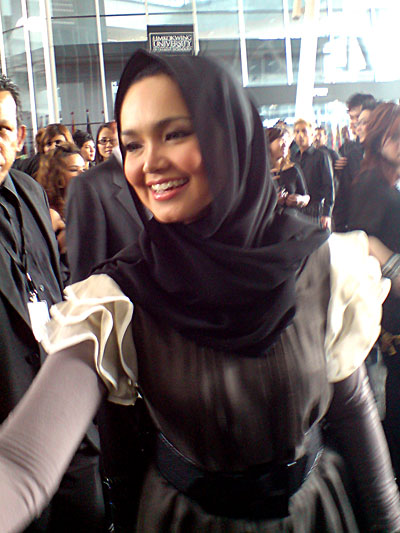 Siti Nurhaliza Hot