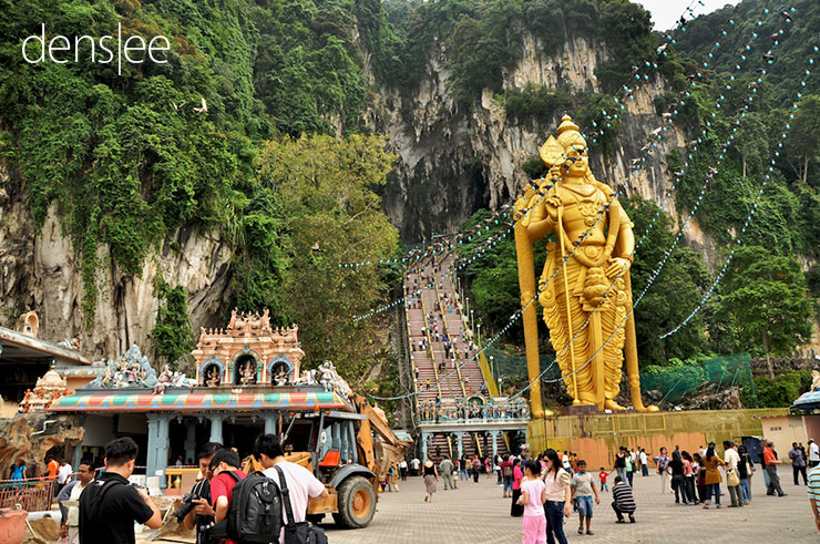 Entrance of Batu Caves.